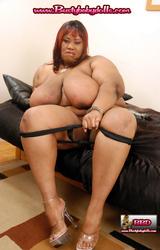 Extra kövér néger anyuka