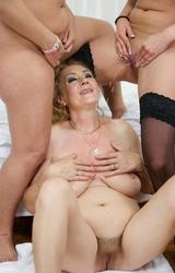 nagy kövér leszbikus orgia
