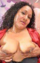 Sára duci roma anyuka maszturbál - 60/150 kép