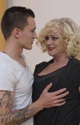 Sara Szőke Nagy Cicis Anya Fiával Dug - 18/162 kép