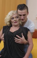 Sara Szőke Nagy Cicis Anya Fiával Dug - 32/162 kép