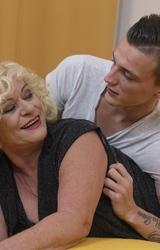 Sara Szőke Nagy Cicis Anya Fiával Dug - 14/162 kép