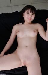 Szőrtelen ázsiai tini