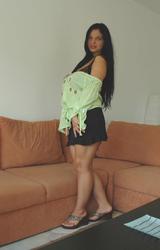 Roma lány nagy mellei - 2/91 kép