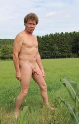Német hetero apuka meztelen képei álló farokkal - 36/95 kép