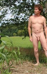 Német hetero apuka meztelen képei álló farokkal - 51/95 kép