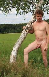 Német hetero apuka meztelen képei álló farokkal - 1/95 kép