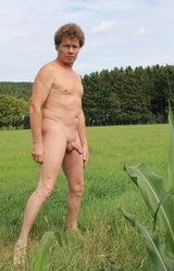 Német hetero apuka meztelen képei álló farokkal - 37/95 kép
