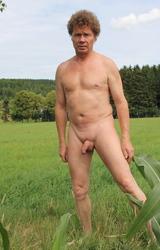 Német hetero apuka meztelen képei álló farokkal - 22/95 kép