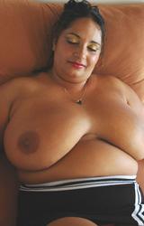 Roma anyuka nagy csöcsökkel - 44/88 kép