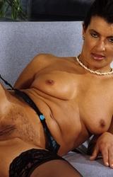 Amatőr roma anyuka maszturbál - 65/94 kép
