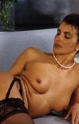 Amatőr roma anyuka maszturbál - 69/94 kép
