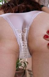 Melinda szőrös puncis kis cicis roma csaj masztizik - 66/101 kép