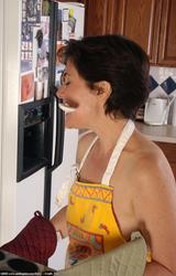 Profi szőke anyuka meztelen képei.