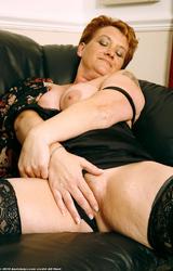 Nagymama nagy mellei