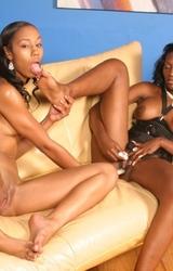 Misty Stone és Nyomi Banxxx