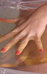 Amanda pisilős masztis képei