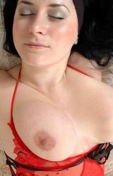 Roma anyuka nagy mellekkel és szép puncival meztelenül - 32/84 kép