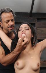 Mexikói tini szereti a fájdalmat mindenhol érezni