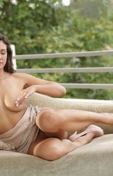Erotikus fotózás az egri hegyekben