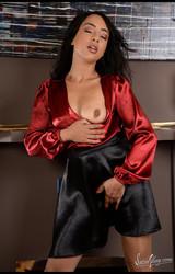 Szexi roma tini lány megmutatja punciját - 44/77 kép