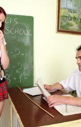 Vörös tini szexel a tanárral