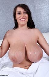 26 éves tini hatalmas mellekkel