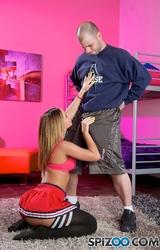 Fiatal lány szereti a popó szexet